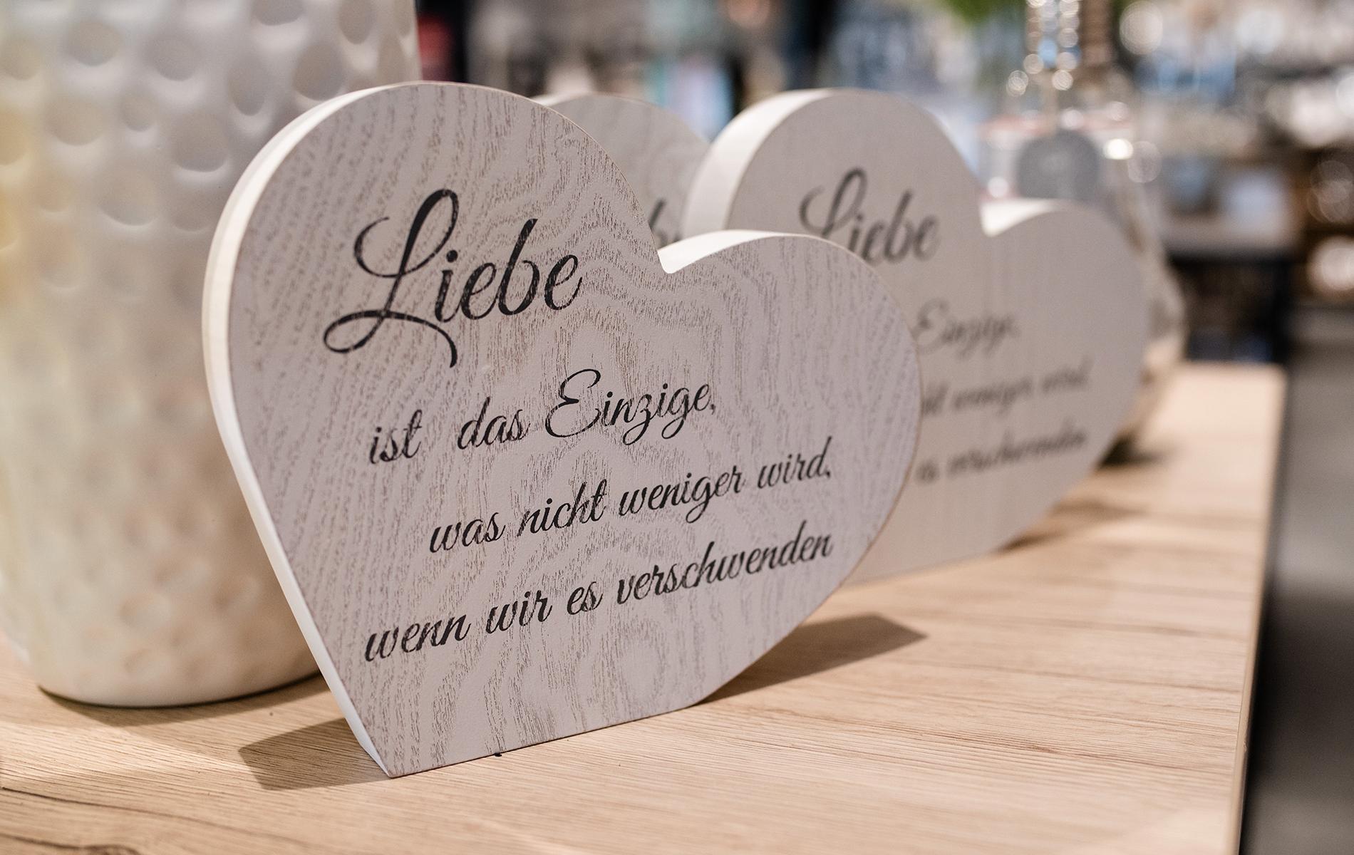 """Deko Herz """"Liebe"""" weiss"""